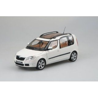 SKODA ROOMSTER 118AB 007E CANDY WEISS UNI 1/18 ABREX MODELLAUTO MODELL